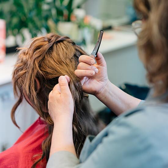 Frisör i Kumla Hair and beauty frisersalong makeup artist